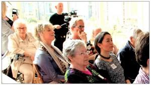 zaal met belangstellenden in het concept meergeneratiehuis